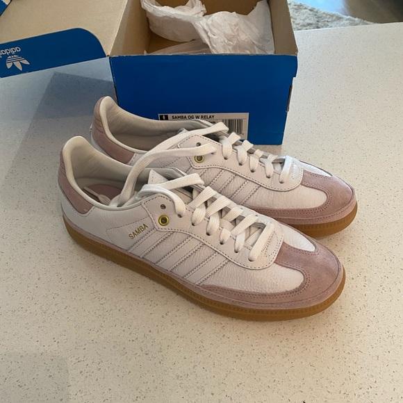 Aburrir personal corto  adidas Shoes | Womens Adidas Samba Gym Shoes Size 9 Us | Poshmark